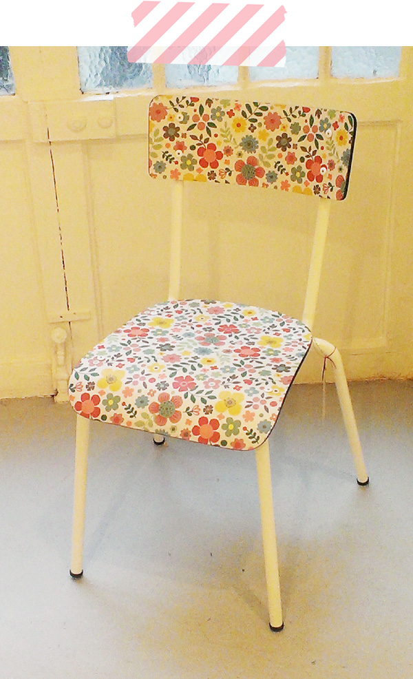 Pop up store mini labo chaise fleurs