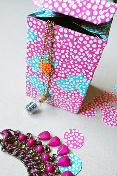 Présentation boîte à bijoux à écailles DIY